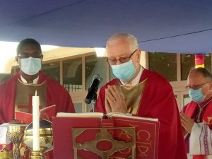 Catholic Church holds send-off ceremony for Father Campbell [Photos]