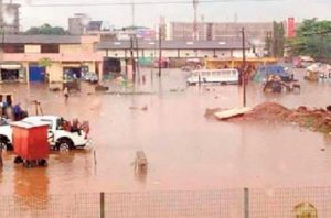 Read more about the article A/R: Traders march over Asafo market floods