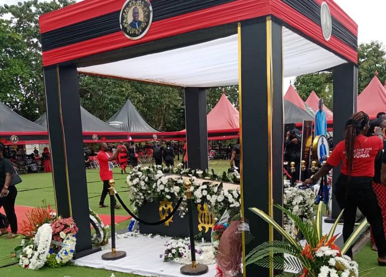 Ghanaians bids Sir John farewell