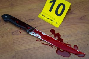 Read more about the article Man Runs Away After Slashing Another's Throat At Kotobabi
