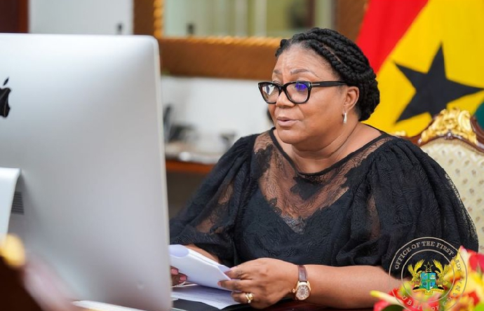 You are currently viewing First Lady pays back allowances with CBG cheque