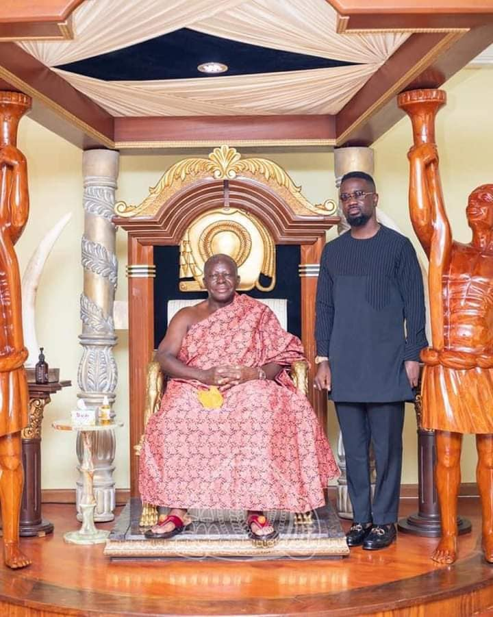 Rapper Sarkodie visits Otumfour