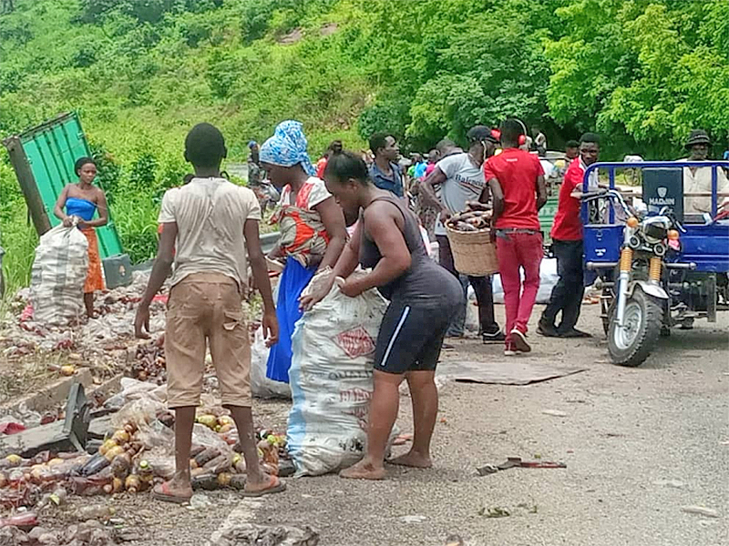 Mad rush for accident drinks at Asukawkaw mountain