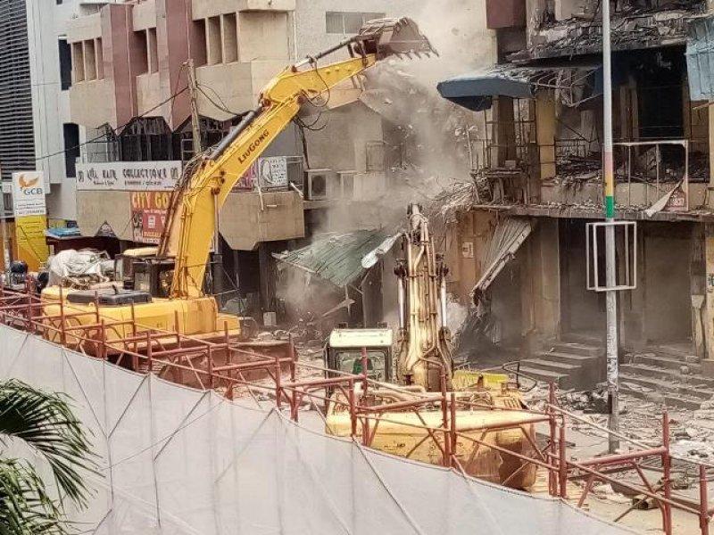 Hong-Kong Building demolition at Makola underway