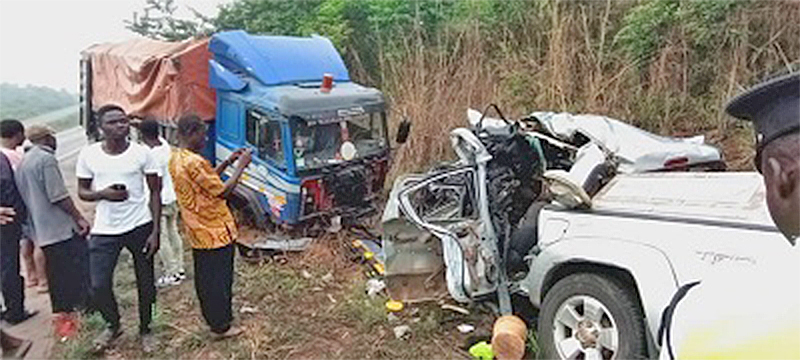 E/R: Nine passengers including six-month-old baby die in fatal crash