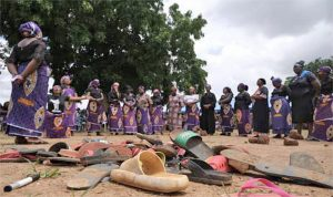 Nigerian kidnappers free 15 students