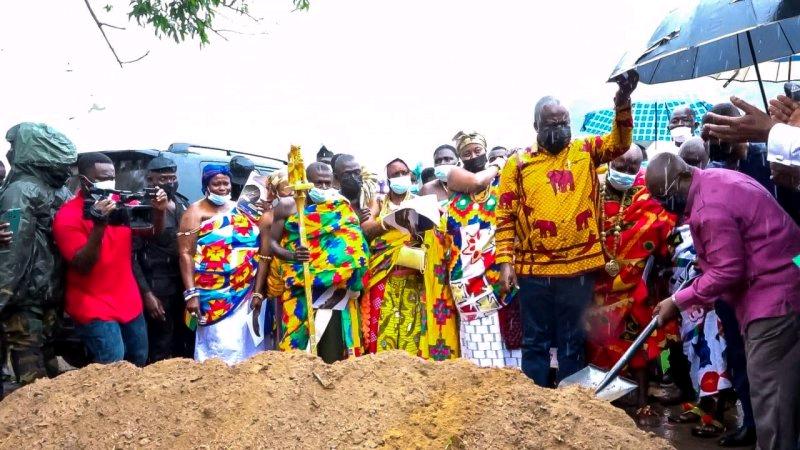 President Akufu-Addo cuts sod for construction of Tarkwa, Agona Nkwanta road