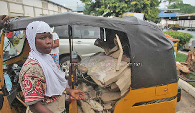 A/R: KMA busts woman carrying 15 cartons of unwholesome frozen chicken