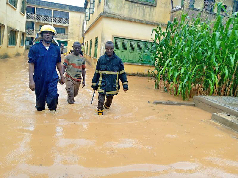You are currently viewing Downpour wreaks havoc in parts of Cape Coast